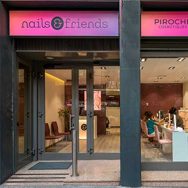 la mejor franquicia salon de uñas manicura Nails And Friends